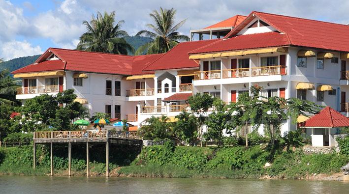Vang vieng hotels laos tourist for Domon guesthouse vang vieng
